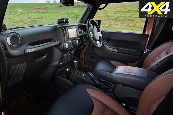 Murchison Jeep JK-Wrangler Pick-up interior