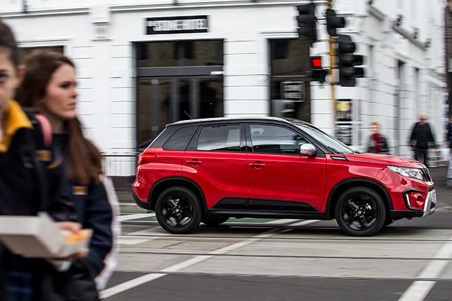 Suzuki -Vitara -front -side -comparison -review