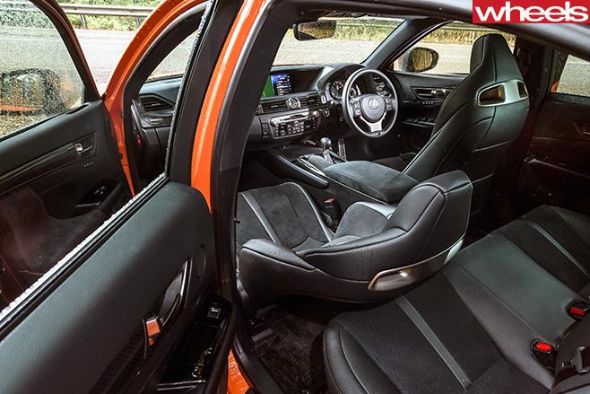 Lexus -GS-F-interior1