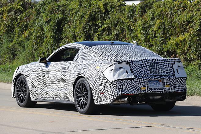 2017-Ford -Mustang -Spy -shot -rear