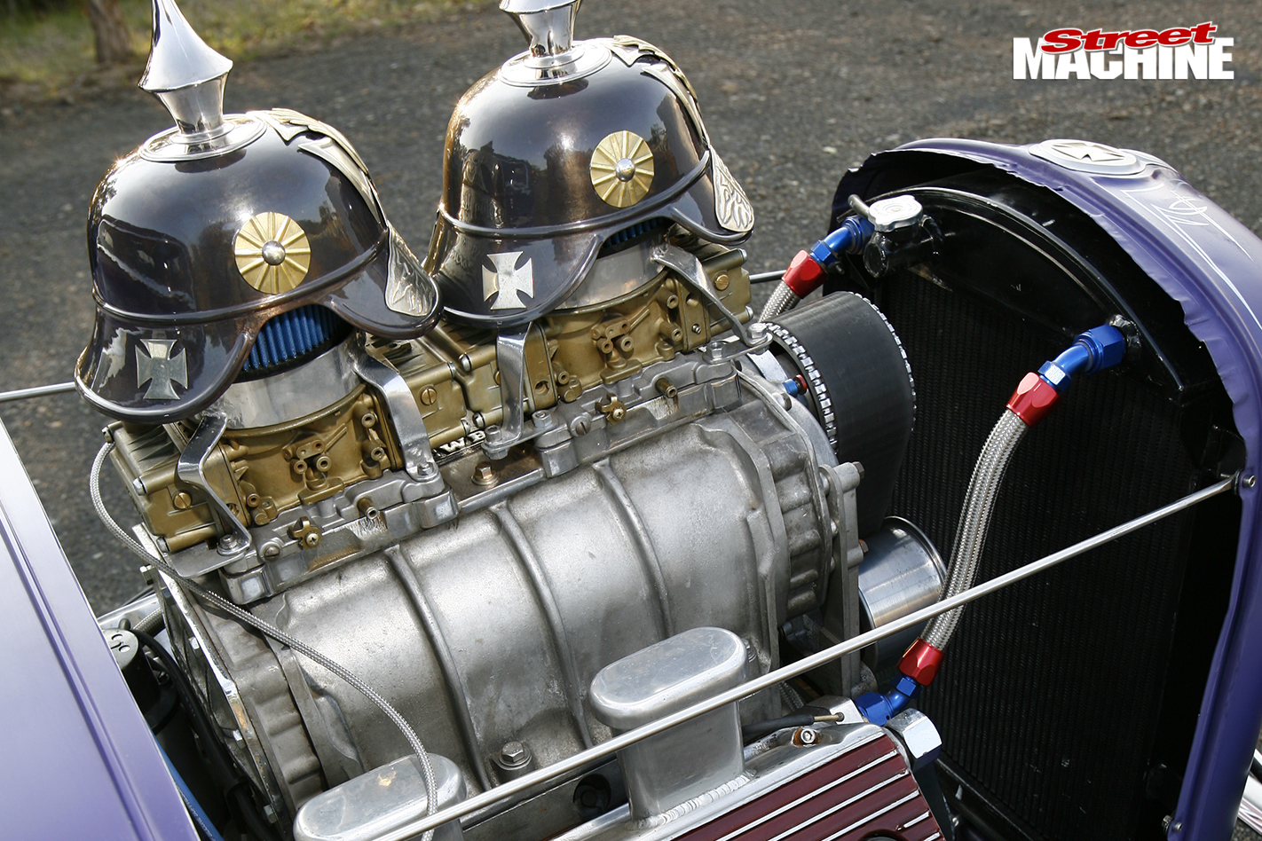 1932-HEMI-POWERED-FORD-THREE-WINDOW-COUPE-engine