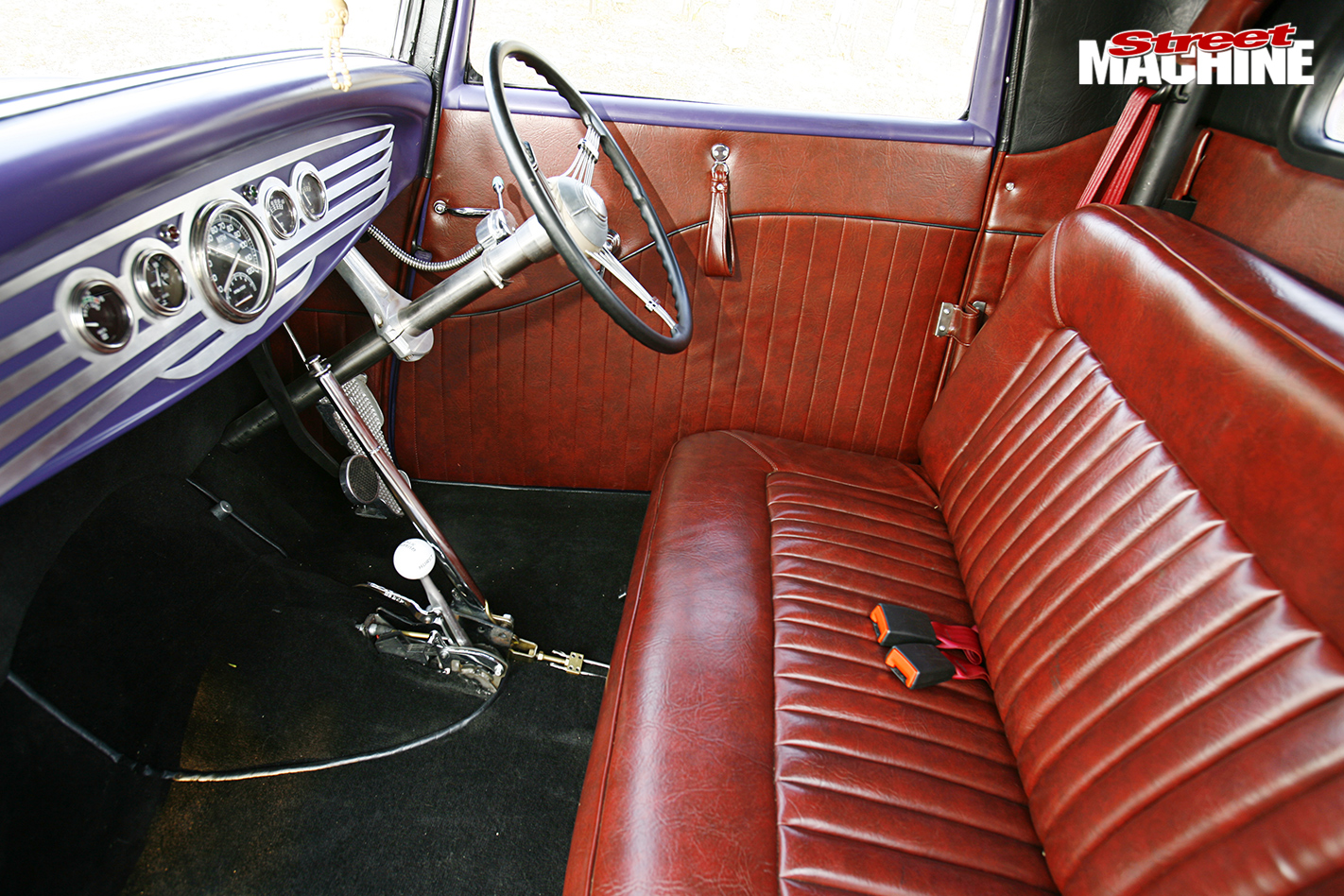 1932-HEMI-POWERED-FORD-THREE-WINDOW-COUPE-interior