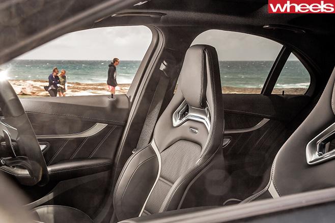 2016-Mercedes -AMG-C63-S-seats