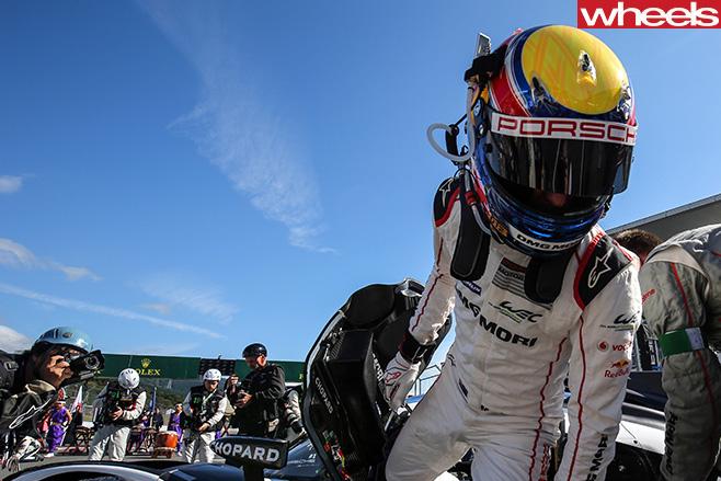 Mark -Webber -racing -driver