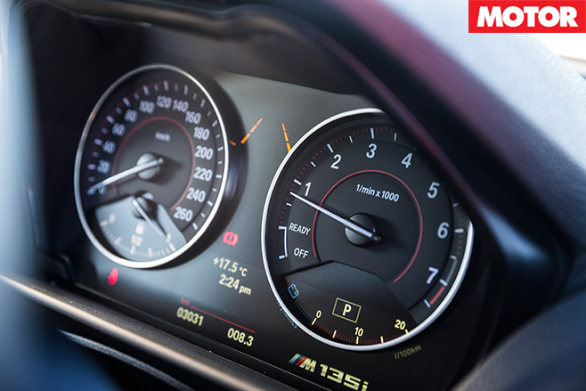 Bmw m135i gauges