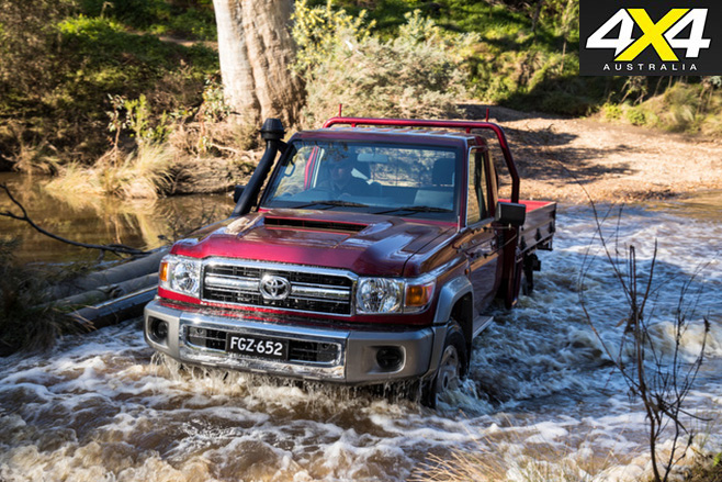 Toyota Landcruiser 70-Series offroad driving