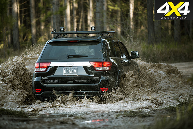 Jeep WK2 Grand Cherokee Murchison -water -driving