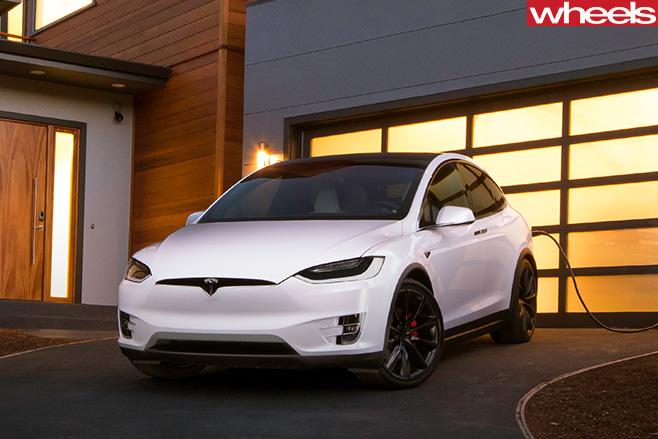 Tesla -Model -X-parked -garage