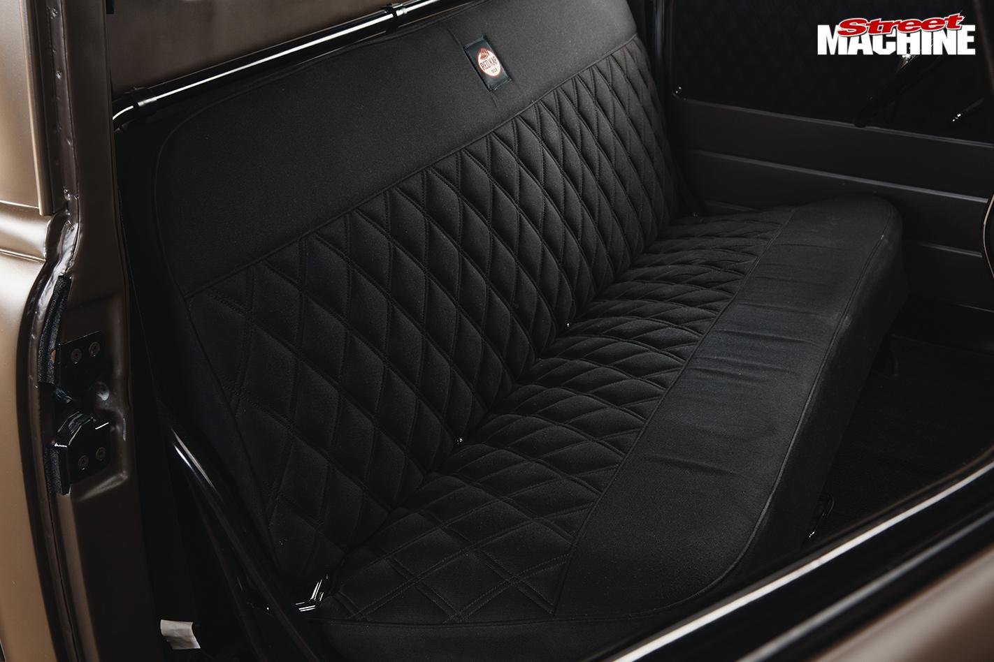 SMALL-BLOCK-1950-CHEVROLET-3100-PICK-UP-interior
