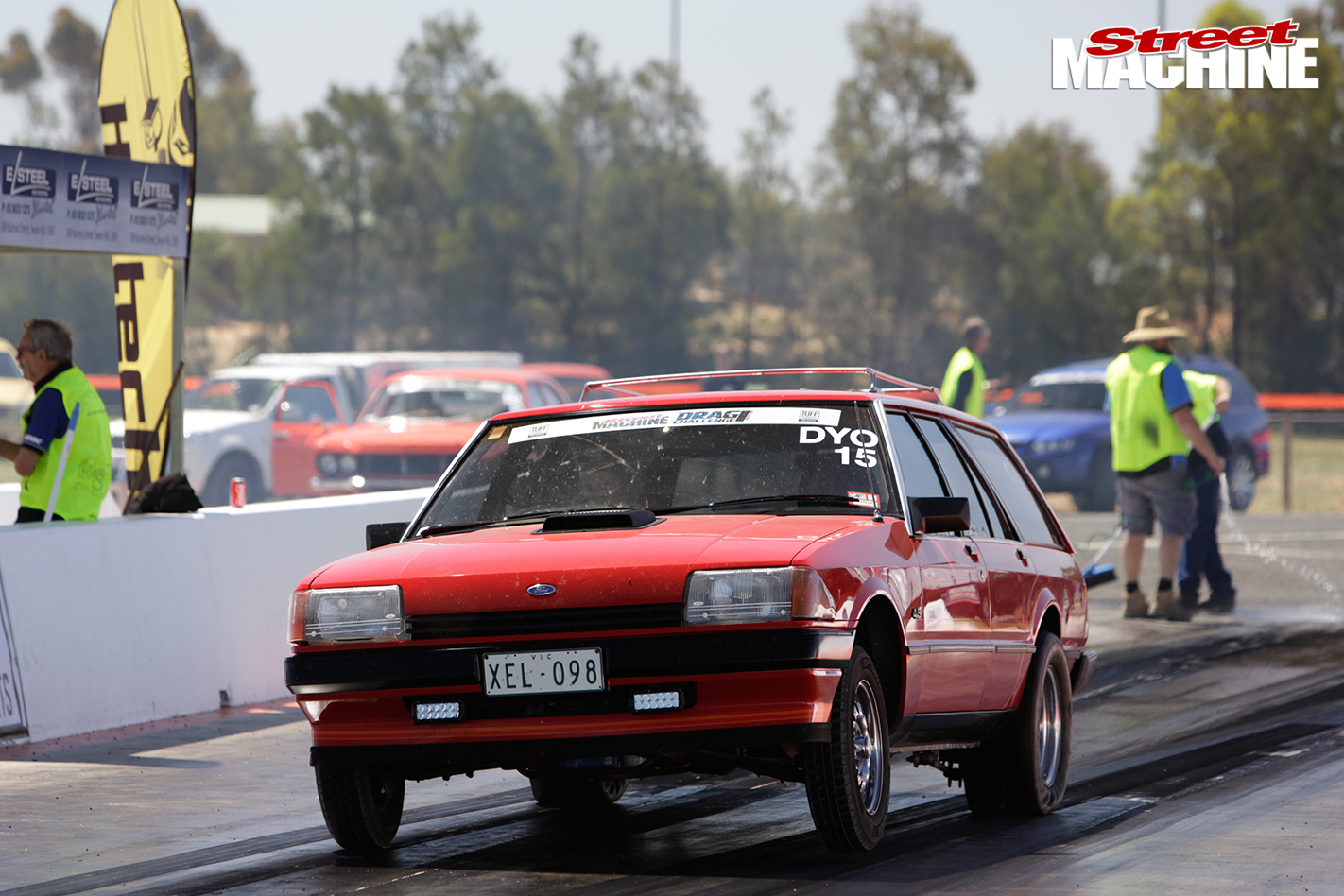 L98-XE-FORD-FALCON-SLEEPER-drag
