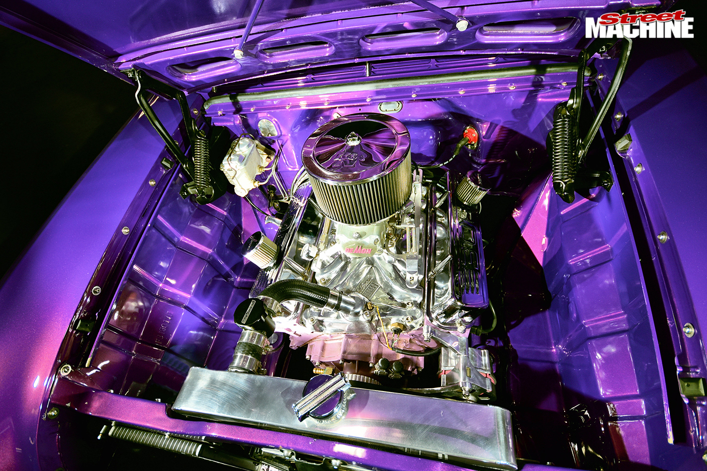 FB-HOLDEN-READER'S-CAR-OF-THE-WEEK-engine