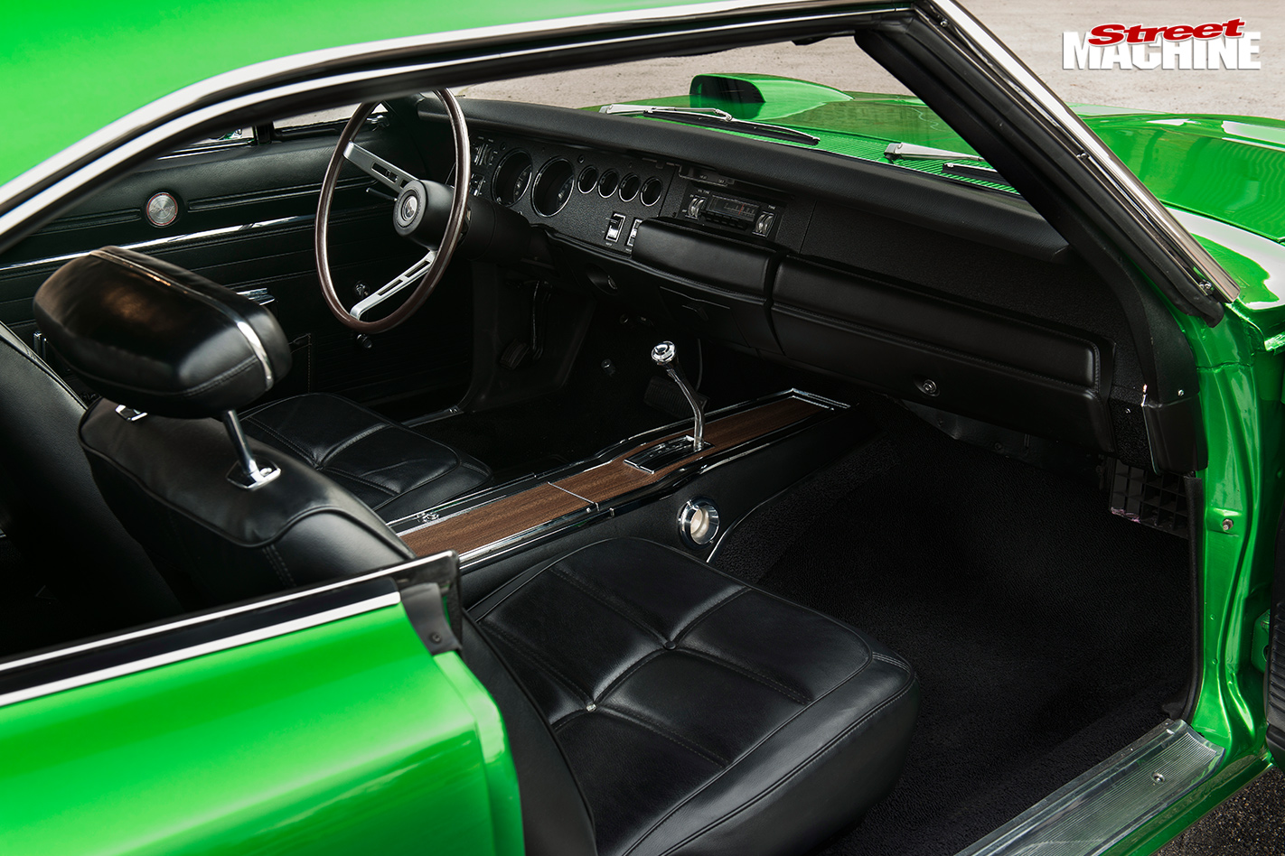 1969-DODGE-CHARGER-DAYTONA-interior