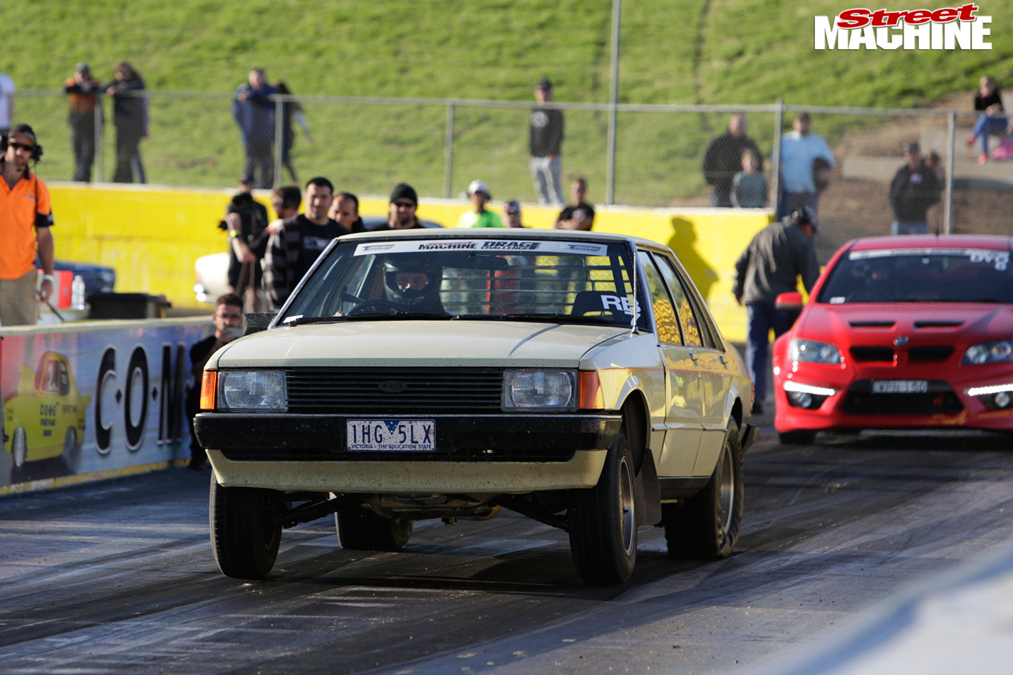 Ford -xd -falcon -drag -challenge -strip