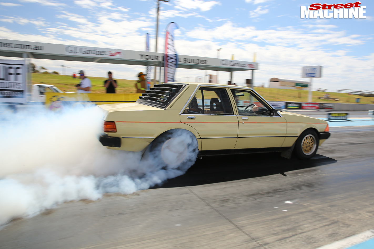 Ford -xd -falcon -drag -challenge -strip -5