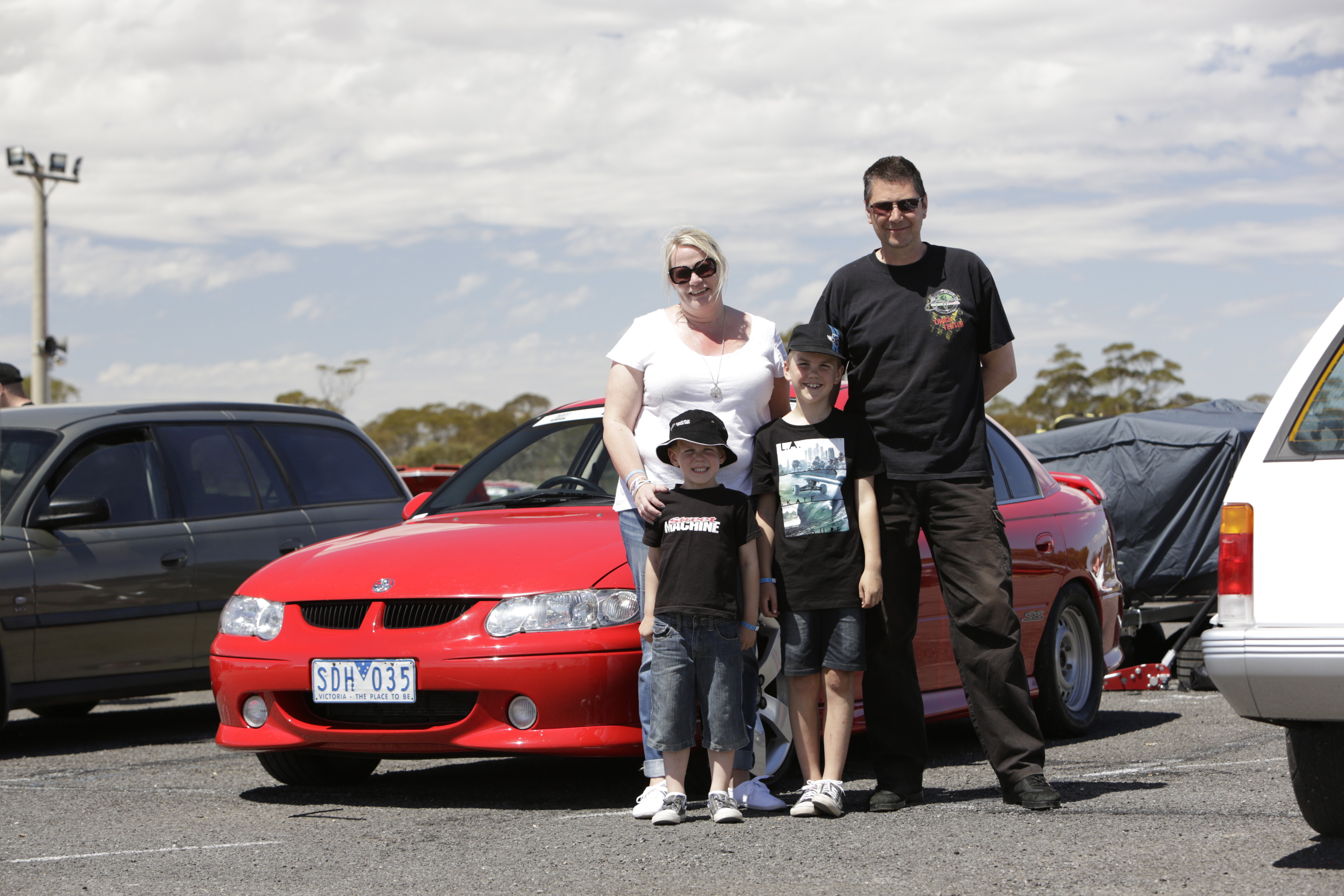 Holden -vx -commodore -ss -drag -challenge -2