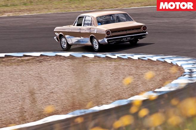 Falcon GT around racetrack