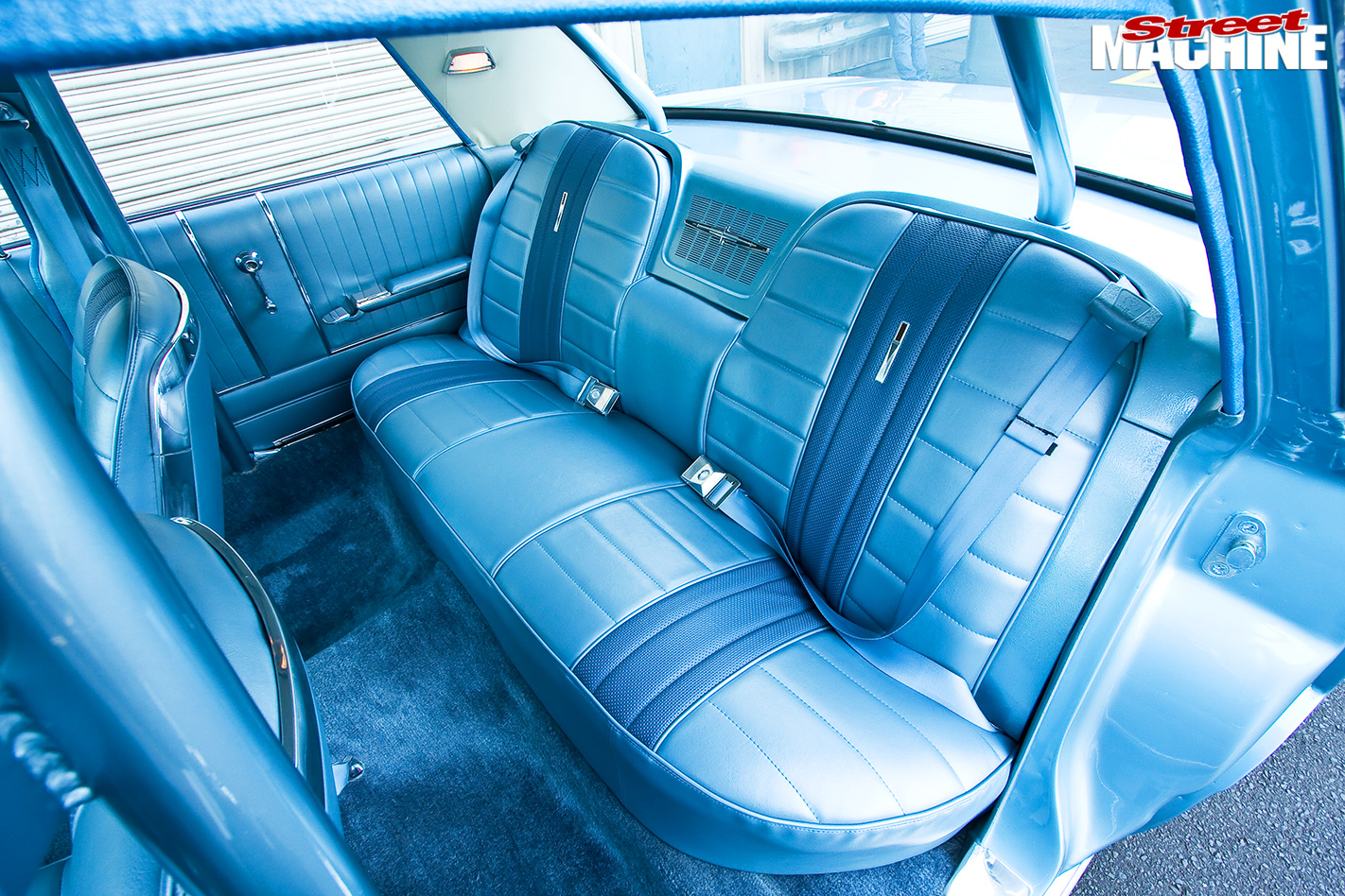 Ford -galaxie -interior -rear