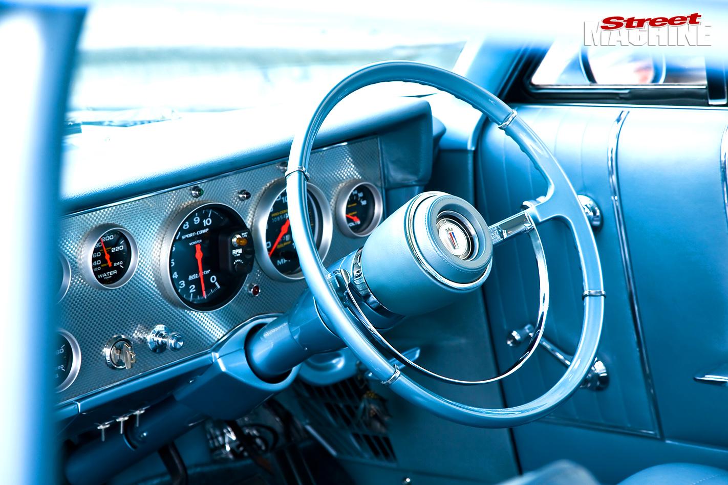 Ford -galaxie -interior -dash