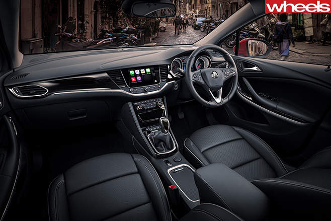 2017-Holden -Astra -driving -interior