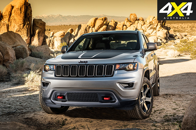 2017 Jeep Grand Cherokee Trailhawk front