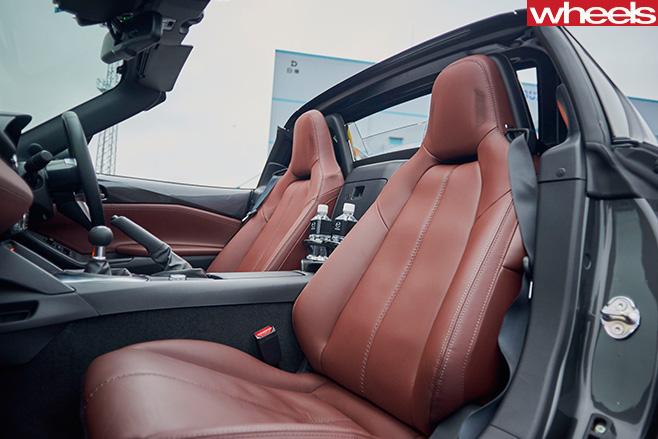 Mazda -MX-5-RF-seats