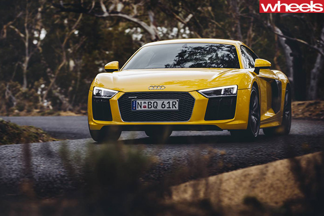 Audi -R8-driving -front