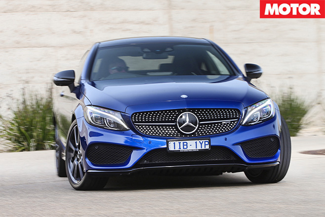 2016 Mercedes-AMG C43 turning