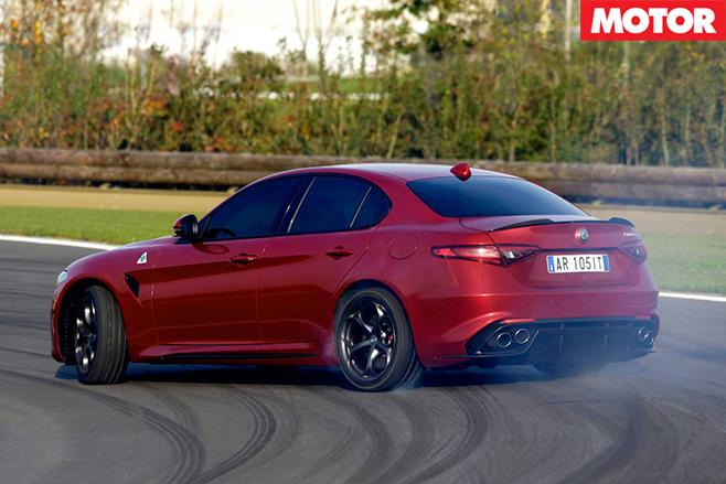 2017-Alfa -Romeo -Giulia -QV-rear