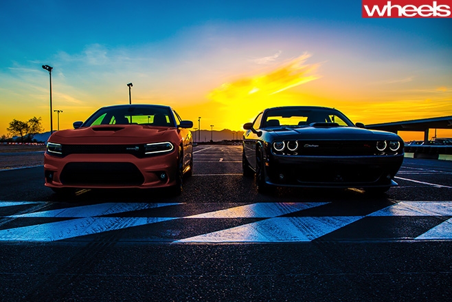 Dodge -Challenger -and -Dodge -Charger -drag -race