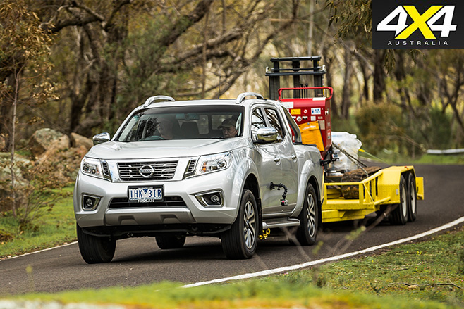 Nissan np300 driving front