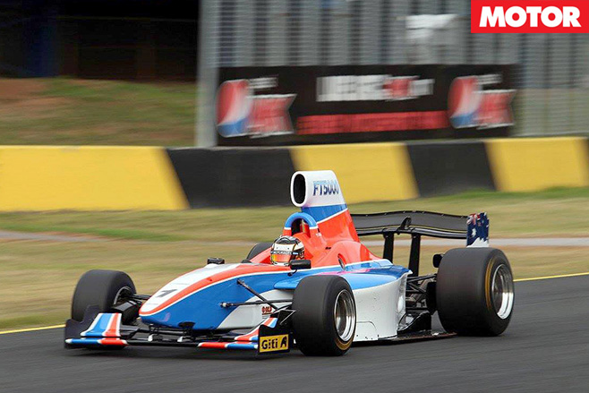 Formula Thunder 5000 in action