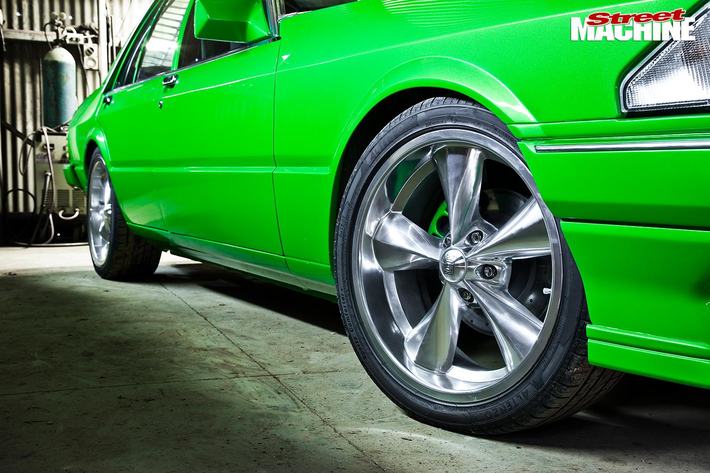 Ford -xe -falcon -wheel