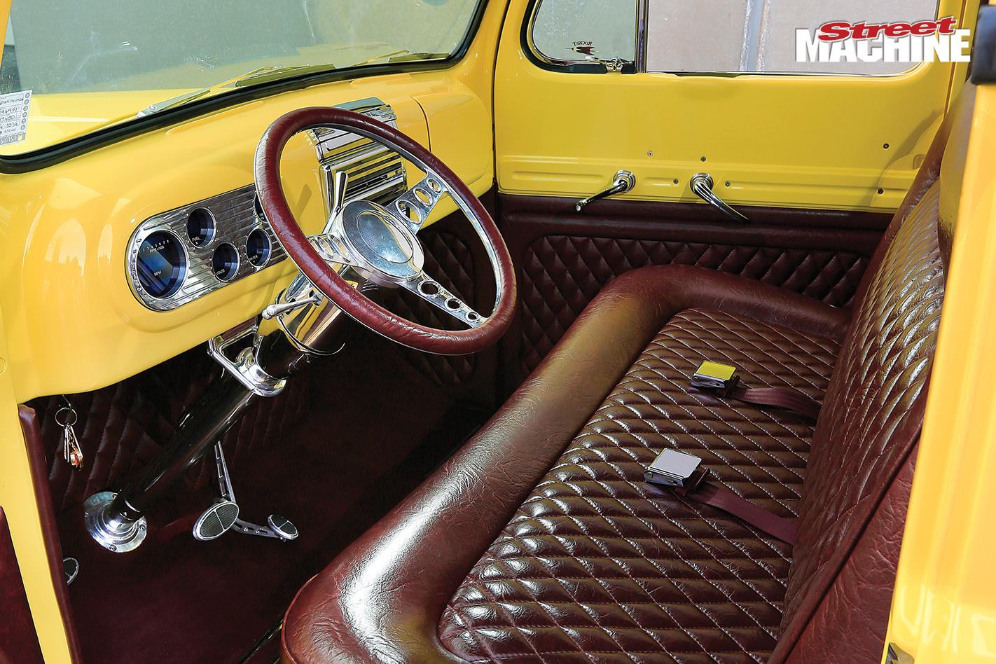 Ford -f 100-interior