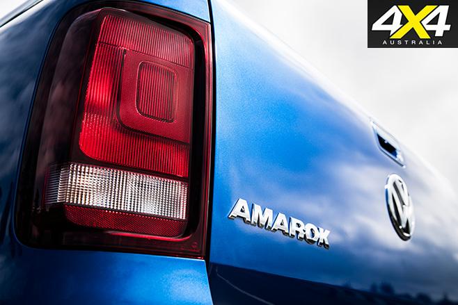 2017 Volkswagen Amarok badge