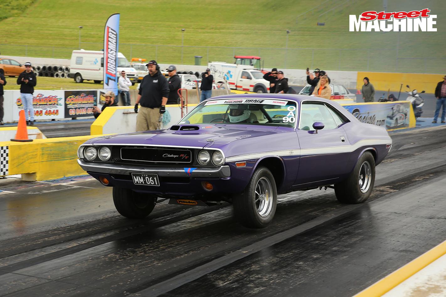 Dodge Challenger Drag Challenge 1