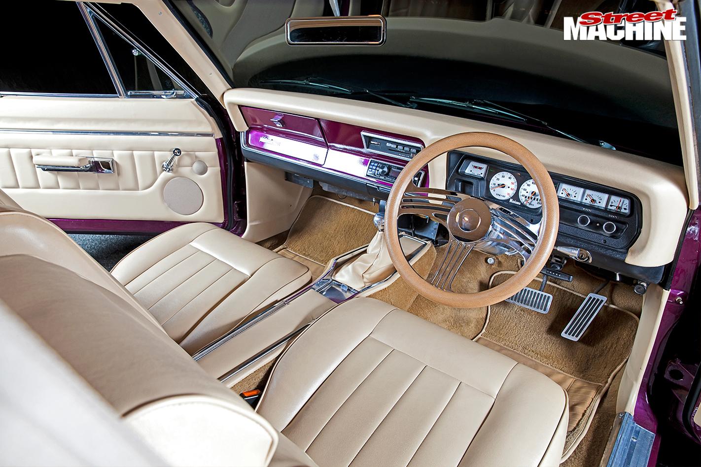 Chrysler -valiant -interior