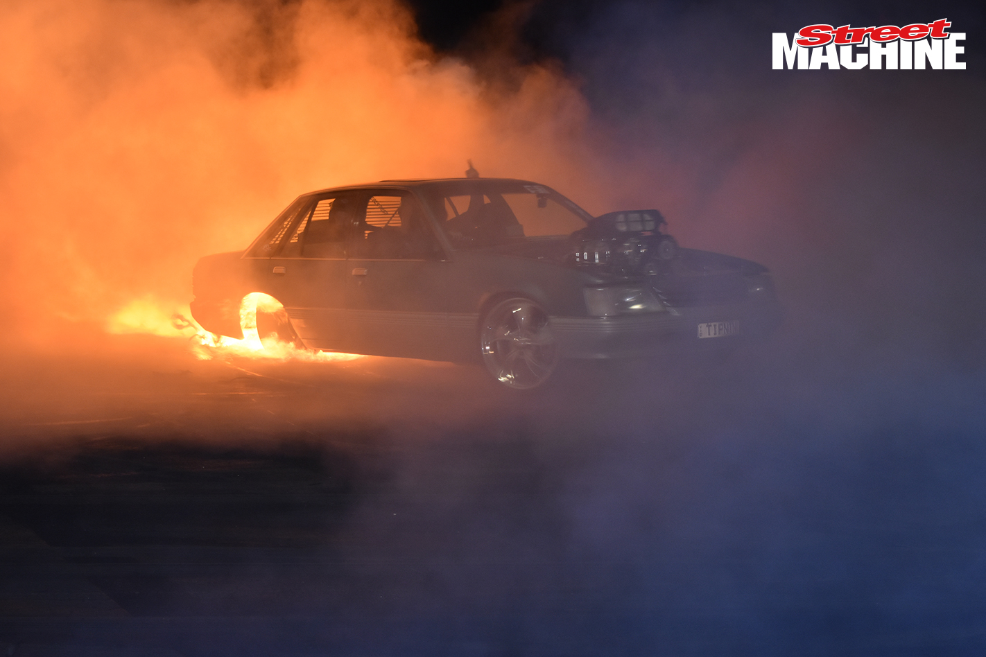 VK Commodore Burnout 369