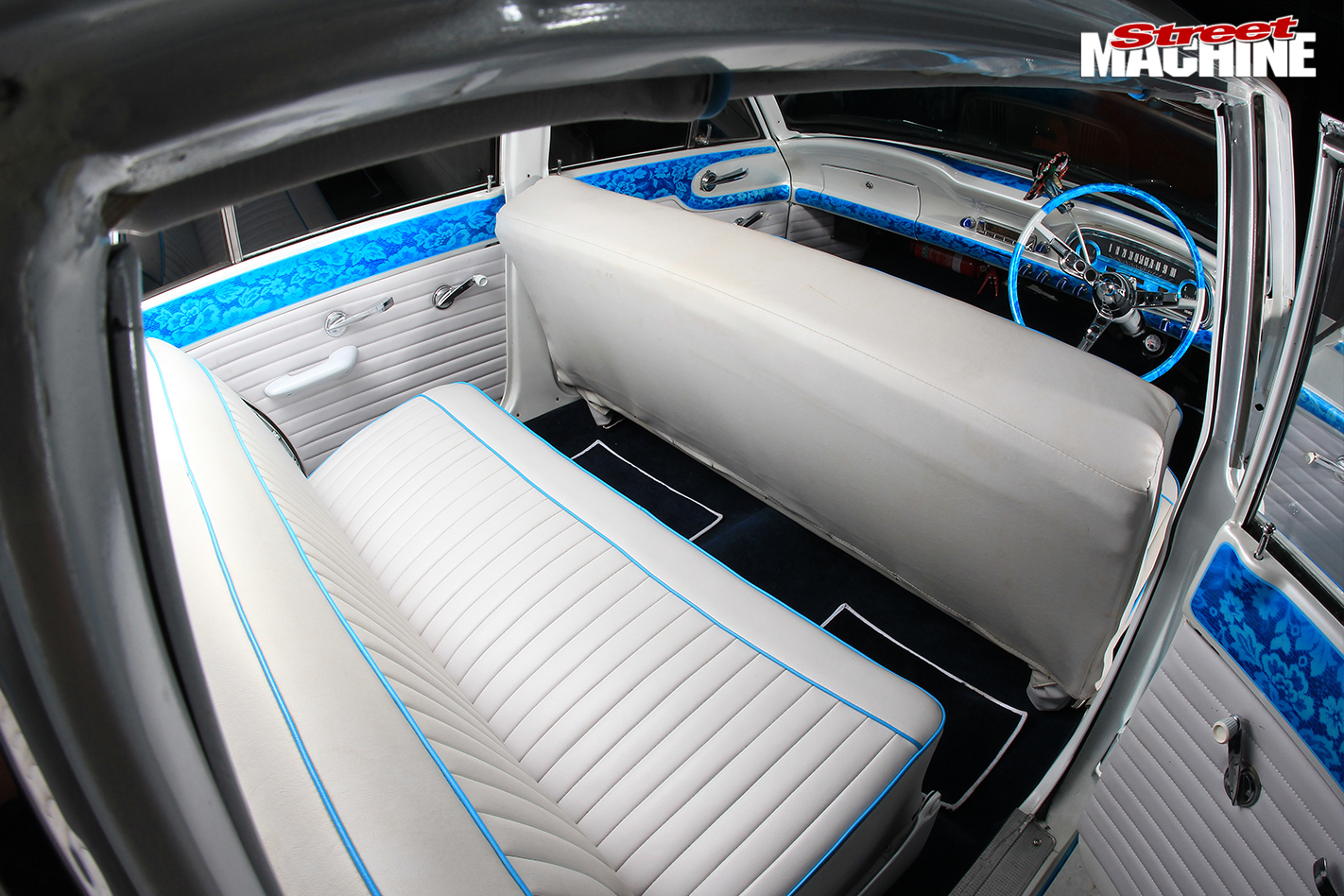 Ford -xm -falcon -wagon -interior -rear
