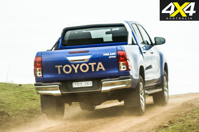 2016 Toyota HiLux SR5 V6 review rear