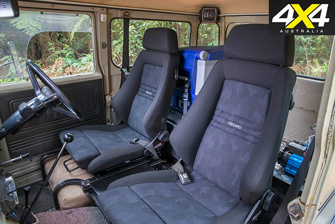 Toyota FJ40 interior