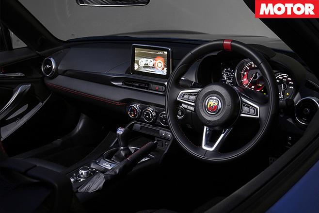 2016 Fiat 124 Spider interior