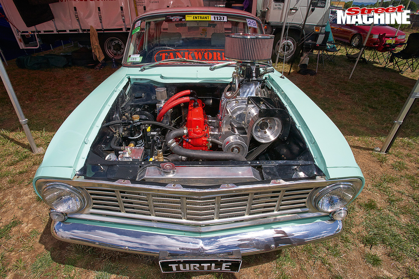 Summernats -29-vauxhall -victor -engine -bay