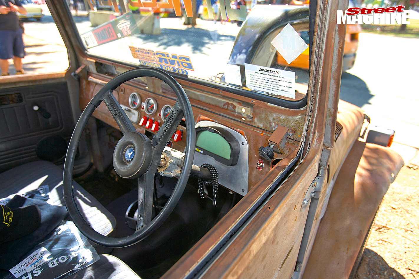 Summernats -29-toyota -landcruiser -interior