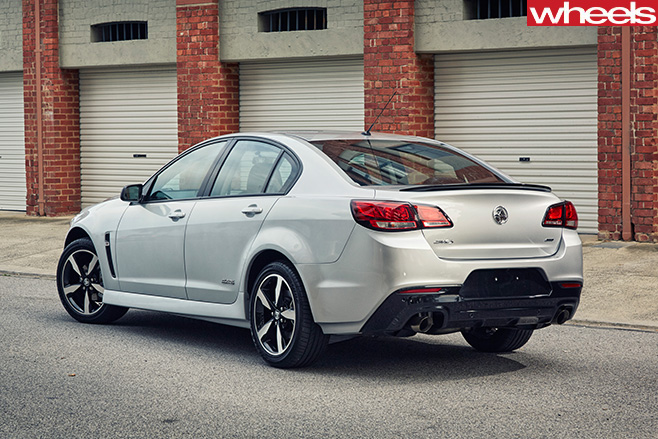 2016 Holden Commodore Black Edition
