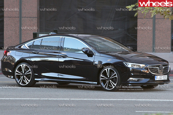 2017-Holden -Commodore -side