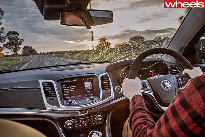 HSV-Track -Edition -interior -windscreen