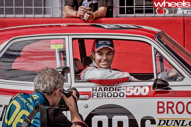 2016-Bathurst -1000-Lowndes -drives -Brock -car