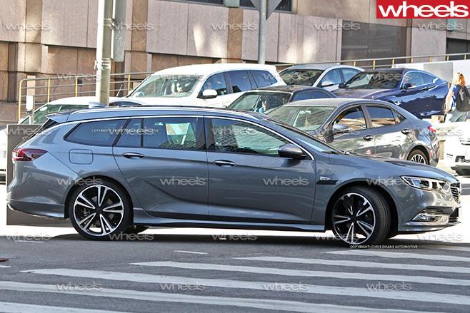 2017-Holden -Commodore -wagon