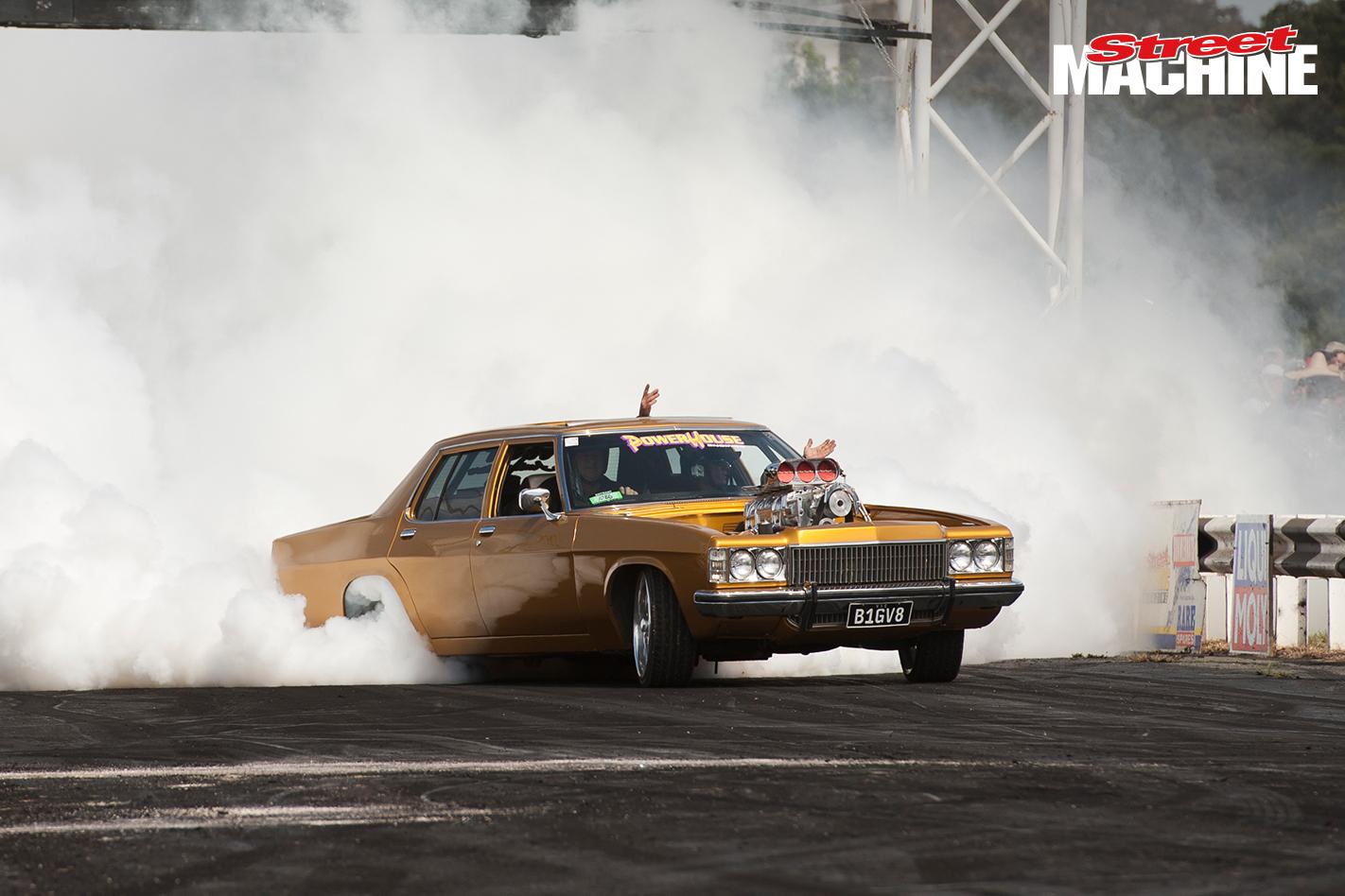 Holden Statesman Blown Burnout BIGV8