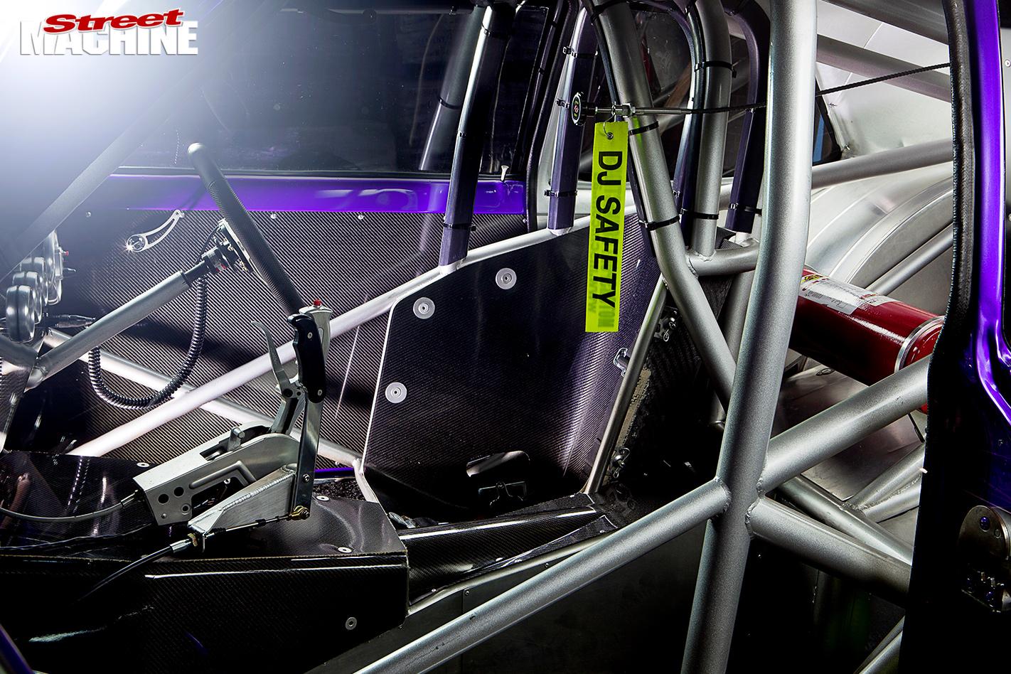 Holden -lc -torana -interior -2